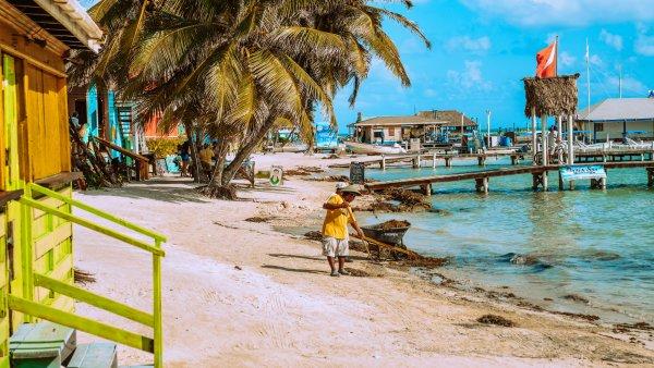 Belize umožňuje očkovaným vstup bez testování