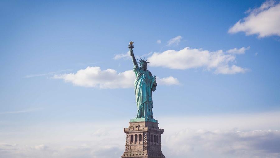 USA znovu připravuje plán otevření pro cestující z EU, ale jen očkované