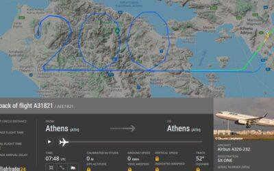 Aegean Airlines připomněl na obloze 200. výročí nezávislosti Řecka