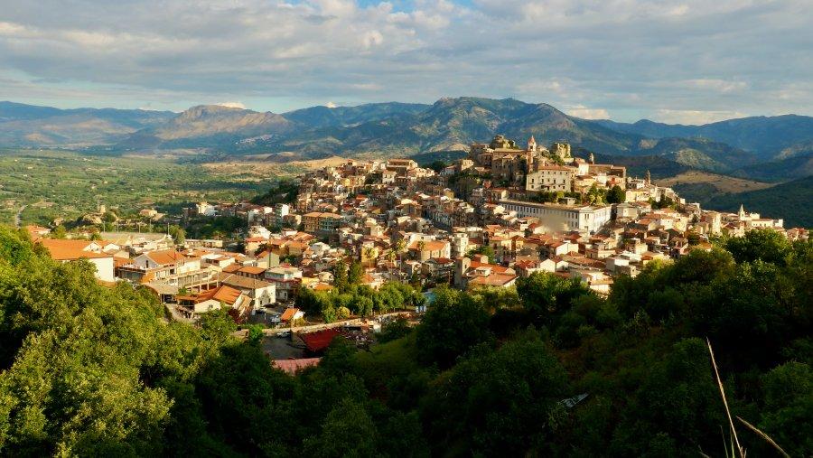 Itálie: Zpáteční letenky z Prahy do Catanie 280 Kč
