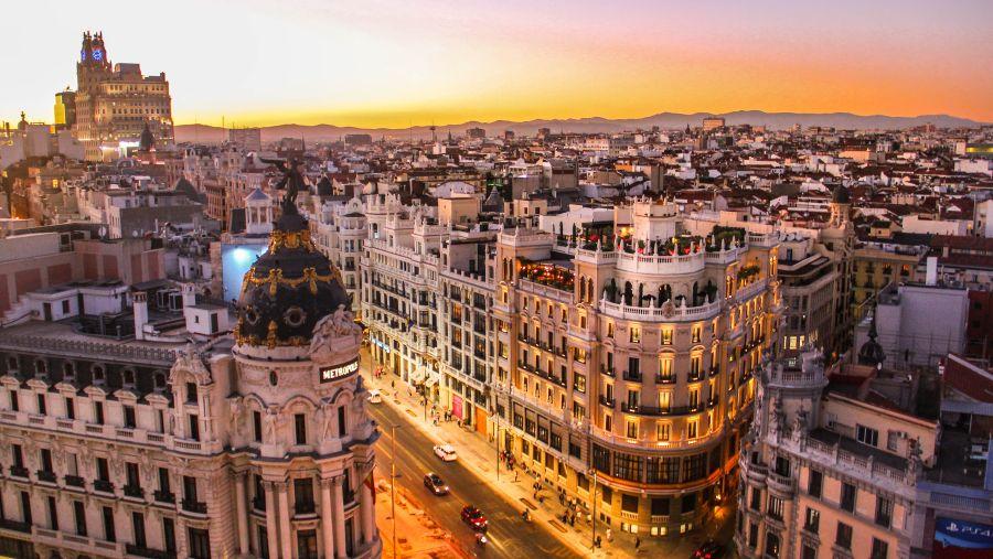 Španělsko: Zpáteční letenky z Prahy do Madridu 518 Kč