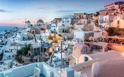 Řecko: Zpáteční letenky z Vídně na Santorini od 1.025 Kč