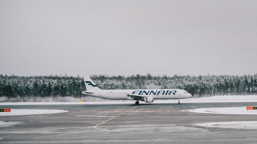 Cestující na zpožděných letech Finnair, dostali místo kompenzace, účet na zaplacení více než 200.000 Kč
