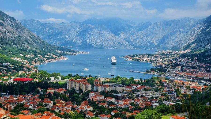 Černá Hora: Zpáteční letenky z Vídně do Podgorice 407 Kč