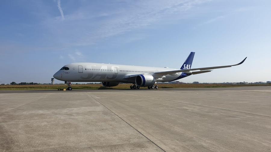 SAS (Scandinavian Airlines) ruší povinné roušky na letech ve Skandinávii